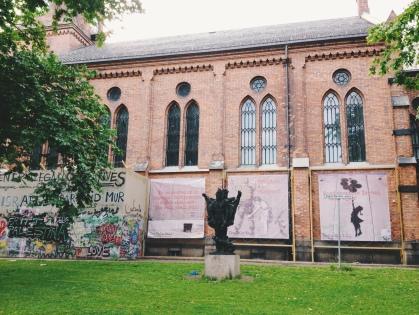 gereja deket rumah